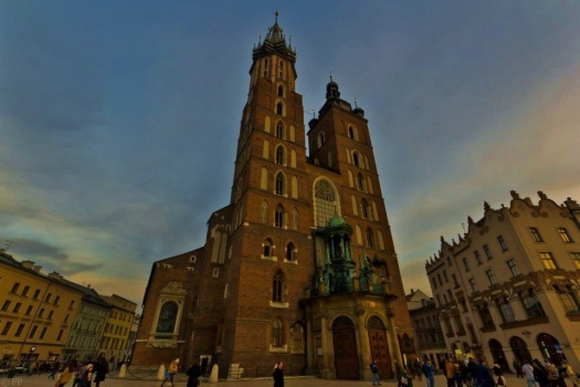 St Mary's Basillica...the largest church in Krakow and home of the hourly bugle call