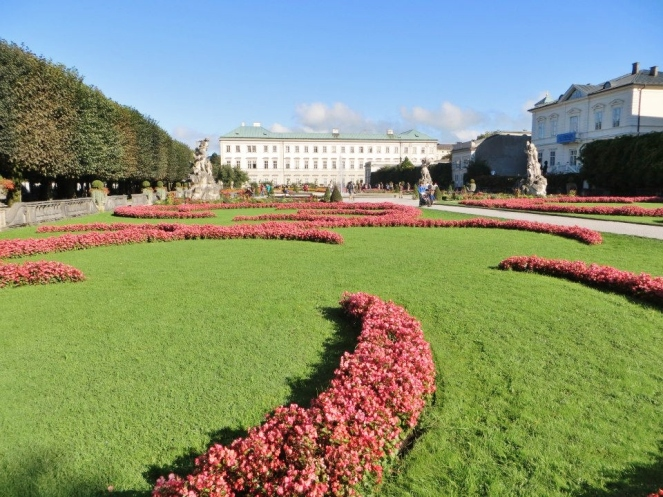 Oh, I so want to skip round here singing Do-Re-Mi... — at Mirabellgarten Salzburg.
