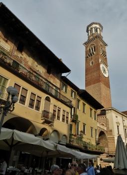 Torre dei Lamberti, Piazza Erbe, Verona