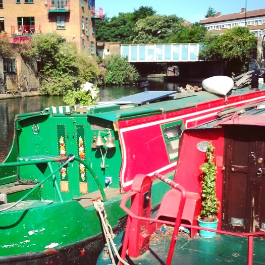 We walked the entire length of the Regents Canal towpath during our weekend away!