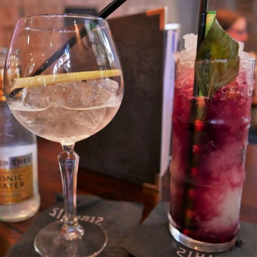 Cocktails at Siamais
