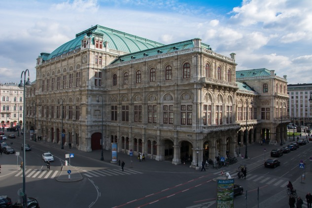 The exterior of the Vienna State Opera House, taken from Albertinaplatz