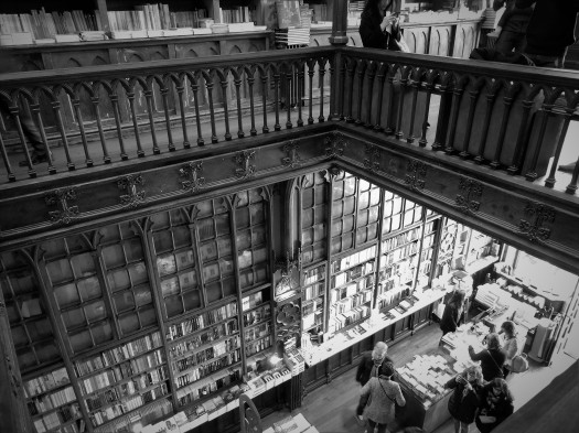 "Inside Levrario Lello, the famous ""Harry Potter"" bookstore in Porto"